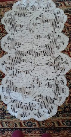 Crochet Placemats, Crochet Doily Patterns, Crochet Doilies, Crochet Flowers, Crochet Bedspread, Crochet Curtains, Crochet Carpet, Fillet Crochet, Crochet Flower Tutorial