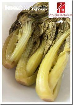 Homemade Sour Mustard or Sour Vegetable (家居自制酸菜) - Guai Shu Shu Fermented Cabbage, Pickled Cabbage, Fermented Foods, Chinese Vegetables, Mixed Vegetables, Veggies, Vegetable Salad, Vegetable Recipes, Chai