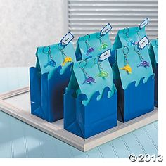 Treat bags... but Shark theme instead of dolphin #sharkparty