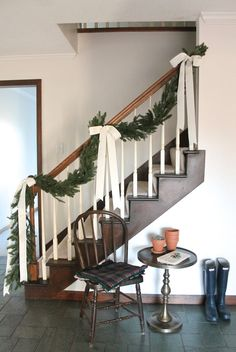 Simple Christmas Staircase I Julie Banner Christmas Time Is Here, Noel Christmas, Merry Little Christmas, Winter Christmas, Stairway Christmas Decorating, Christmas Decorations For Staircase, Home For Christmas, Natural Christmas Decorations, Christmas Fireplace Garland