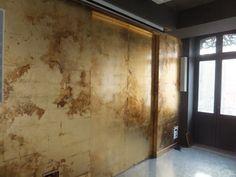 d coration peinte peinture v nementiel et d co murale mur en feuille de cuivre patin e dor. Black Bedroom Furniture Sets. Home Design Ideas