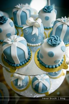 mini cakes - something blue or birthday boy cakes... they look too good to eat!
