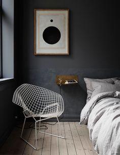 Assise graphique et linge de lit gris