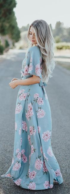 These are very Glamorous Spring Outfits and these are followed by very fashion forward women across the world. You have to grab these Spring Outfits at the earliest to catch up with the fashion.