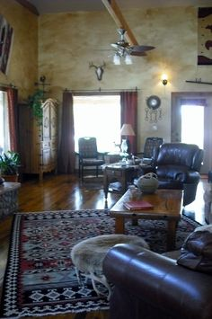 Rustic western home I only love the walls