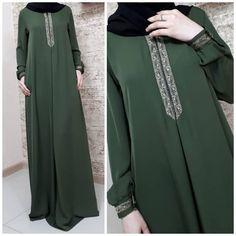 Who likes our hakki? Решили We decided all the colors . Street Hijab Fashion, Abaya Fashion, Fashion Dresses, Habits Musulmans, Modele Hijab, Hijab Trends, Mode Abaya, Muslim Women Fashion, Abaya Designs