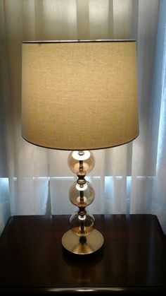 3 - way lamp in amber.