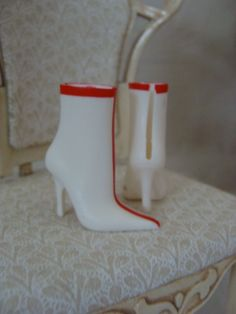 https://www.etsy.com/listing/215523307/blythe-valentine-party-boots-high?ref=shop_home_active_24