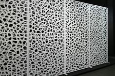 Double layer freestanding SCREENS_CELL pattern