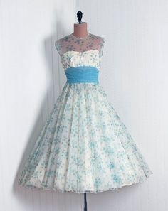 spring dress styles - an otherwise strapless bodice overlaid with sheer fabric up to the neckline Vintage Style Dresses, 50s Dresses, Vintage Outfits, Fashion Dresses, Vintage Clothing, 1950s Fashion, Vintage Fashion, Swing Dance Dress, Frocks For Girls