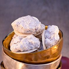 Haselnussmakronen - hazelnut macaroons (its german but easy to translate with google and super yummmm)