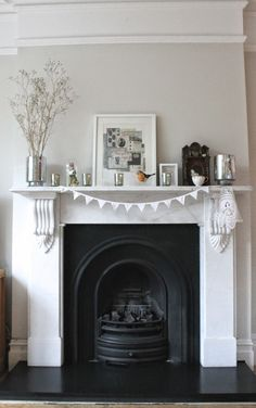 Modern Country Style: The Perfect Fireplace? Click through for details. Edwardian Fireplace, Edwardian House, 1930s Fireplace, Cast Iron Fireplace, Room Color Schemes, Room Colors, Living Room With Fireplace, Home Living Room, Snug Room