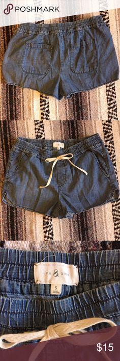 Lou & Grey chambray shorts Size Small. Pockets, elastic waistband, and drawstring. VGUC. Lou & Grey Shorts Jean Shorts