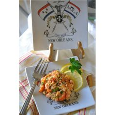 The trinket tray-small plate designed with the New Orleans Tricentennial logo is food safe, microwave safe, and dish-washer safe. It comes in 2 sizes and features the beautiful New Orleans Tricentennial logo. Crawfish Cake Recipe, Crawfish Recipes, Horse Radish Sauce Recipe, Louisiana Crawfish, Crab Cakes, Diabetic Friendly, Small Plates, Quick Meals, Safe Food