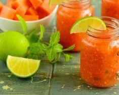 Smoothie de papaye Croq'Kilos à la menthe et au citron vert : http://www.fourchette-et-bikini.fr/recettes/recettes-minceur/smoothie-de-papaye-croqkilos-a-la-menthe-et-au-citron-vert.html