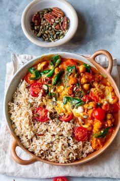 15 Minute Chana Masala – Vegan & Ready in 15 Minutes Lucy & Lentils - Gourmet-Rezepte Lentil Recipes, Veggie Recipes, Indian Food Recipes, Whole Food Recipes, Cooking Recipes, Ethnic Recipes, Veggie Meals, Veggie Dishes, Dinner Recipes