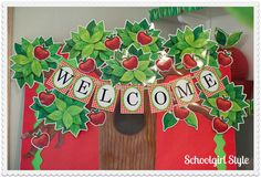 I'm thinking I might go with this apple theme this year for my second grade classroom:).