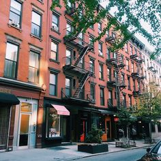 New York New York...#goodlatemorning #iLOVEnyc16 #iLOVEcontent . . . #newyork #gotrip #instamood #soho #nyctips #travel #nyc