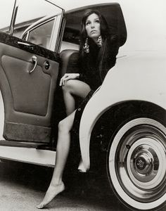 Cher and Rolls Royce Charlotte Rampling, Twiggy, Alexa Chung, Sacramento, Divas, Georgia, Beautiful People, Beautiful Women, Beautiful Gorgeous