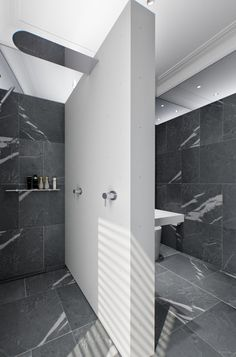 White and grey, luxury bathroom concept by Mimosa design _