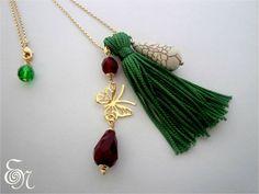 Colar semi-jóia com franja e pedras