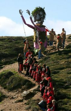 3 - 4 May 2014: St Agnes Bolster Festival. A celebration of Cornish music and art featuring life size puppets, a drum band and a 28ft giant effigy re-enacting the famous Cornish legend of the giant called Bolster. A great day out for all the family.