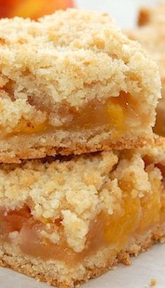 This is the Best Peach Cobbler Crumble Bars recipe you will ever need. Tasty and easy to make, this peach crumble makes an amazing dessert. Mini Desserts, Just Desserts, Delicious Desserts, Yummy Food, Healthy Desserts, Fruit Recipes, Sweet Recipes, Baking Recipes, Cookie Recipes
