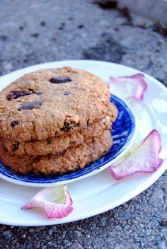 Amerikkalaiset cookiet - taipuu gluteenittomaksikin vaihtamalla kaurahiutaleet gluteenittomiin :)