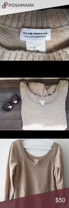 Club Monaco 100% Italian cashmere sweater Very good conditions, beautiful sweater classy and elegant. Super soft and warm. Club Monaco Sweaters Crew & Scoop Necks