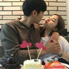 Couple, ulzzang, and korean image Korean Image, Cute Korean, Ulzzang Couple, Ulzzang Boy, Cute Relationship Goals, Cute Relationships, Couple Goals Cuddling, Couple Aesthetic, Best Dating Apps