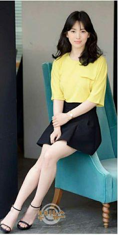 Song Hye Kyo 833 Korean Actresses, Korean Actors, Actors & Actresses, Korean Beauty, Asian Beauty, Song Hye Kyo Style, Song Joong Ki Birthday, Sun Song, Girls In Mini Skirts