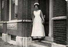 Servant, Amsterdam 1912.