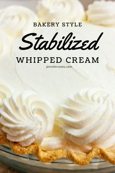 cream frosting Looking to make whipped icings like the bakery that dont turn into a melty mess on your beautiful cake? Stabilized Whipped Cream is your answer! Stabilized Whipped Cream Frosting, Homemade Whipped Cream, Whip Cream Frosting, Whipped Cream Cakes, Wipped Cream Frosting, Cream For Cake, Whipped Cream Recipes, Desserts With Whipped Cream, Bonbon