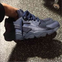 19de791d8c Navy Blue Huaraches Hello I am selling a pair of navy huaraches as you can  see