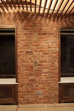 Студия ⚜LoftBricks⚜- кирпичная плитка для Loft-интерьеров. Наличие всех элементов кирпича: ложки, тычки, угловые, клейма. ☎️ 8(911)7531653 (Viber,WhatsApp) ✉️ Loft-bricks@yandex.ru Монтаж⚒ Доставка в регионы. ‼️Приглашаем к сотрудничеству магазины, дизайнеров, архитекторов и шоу-румы.‼️ Имитация старого кирпича, царского клейменого кирпича. Клинкерный кирпич, плитка. Отделка кирпичом. Лофт плитка, лофт кирпич, дизайнерская отделка, реставрация кирпичной кладки, кирпичная стена в интерьере.
