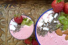 Mit unserem Rezept Erdbeeren-Frühstücksschale mit Haferflocken und Banane startet ihr mit viel Energie in den neuen Tag!