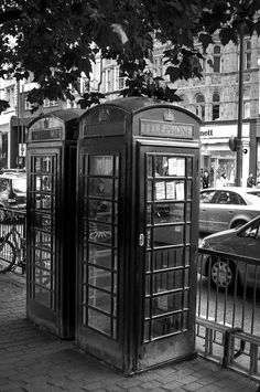 The epic telephone booths:)! London Street, London City, Europe Must See, Telephone Booth, Beautiful Places In The World, London Calling, The Places Youll Go, Countryside, To Go