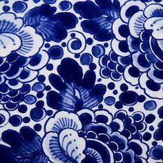 Google Image Result for http://static1.bonluxat.com/cmsense/data/uploads/orig/marcel-wanders-delft-blue-vases_lmfb.jpg