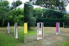 Onzichtbaar huis gemaakt met spiegels.