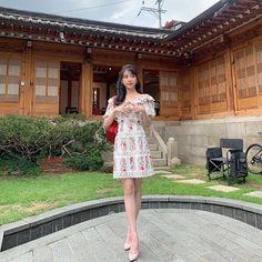Hotel Del Luna, IU as Jang ManWol, Yeo JinGoo as Gun ChanSeong. Beutiful outfits both of them. Luna Fashion, Korean Celebrities, Korean Actresses, Flower Dresses, The Dress, Kpop Girls, Korean Fashion, Lace Skirt, Cold Shoulder Dress
