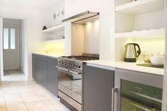 SANTOS kitchen   Diseño de cocina Line en Gris Antracita. Proyecto de Kelvin & Co en Windsor
