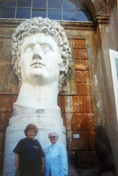 #magiaswiat #watykan #podróż #zwiedzanie #europa #blog Statue, Blog, Art, Europe, Art Background, Kunst, Blogging, Performing Arts, Sculptures