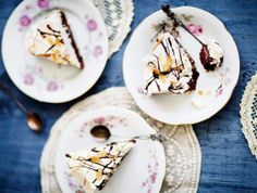 Mantelinen suklaa-marenkikakku (gluteeniton)