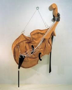 Claes Oldenburg Soft Viola, Canvas, resin, rope and metal painted with latex at the Whitney Museum of American Art Claes Oldenburg Sculptures, Art Beauté, Fun Art, Modern Art, Contemporary Art, 3d Fantasy, Whitney Museum, Bizarre, Cultura Pop