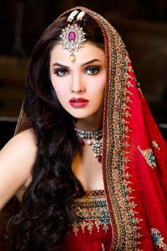 Soma Sengupta Indian Wedding Maquillage- Primal!