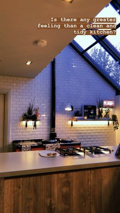 Tidy Kitchen, Home Decor Kitchen, Kitchen Living, Home Kitchens, Kitchen Design, Zoe And Alfie House, Family Room Lighting, Dream House Interior, Barbie Dream House