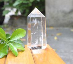 Clear Quartz Crystal Point, Quarz-Generator, Quartz Crystal Tower, heilende Kristalle, Energie Kristall Clear Quartz Crystal, Point, Im Not Perfect, Stone, Crystals, Tips, Gifts, I'm Not Perfect, Crystal
