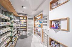 http://www.retailand.com/en/img/pharmacie-bilgraer-8312/ #pharmacy #healthcare #commercialdesign