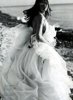 Anna Italia Magazine, March 2009  photographer: Luigi Cassinelli Cintia Dicker