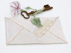 Kit nostalgique numéro 3 Enveloppe de par Midiaquatorzeheures, $35.00